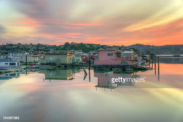 twilight color - houseboat stock pictures, royalty-free photos & images