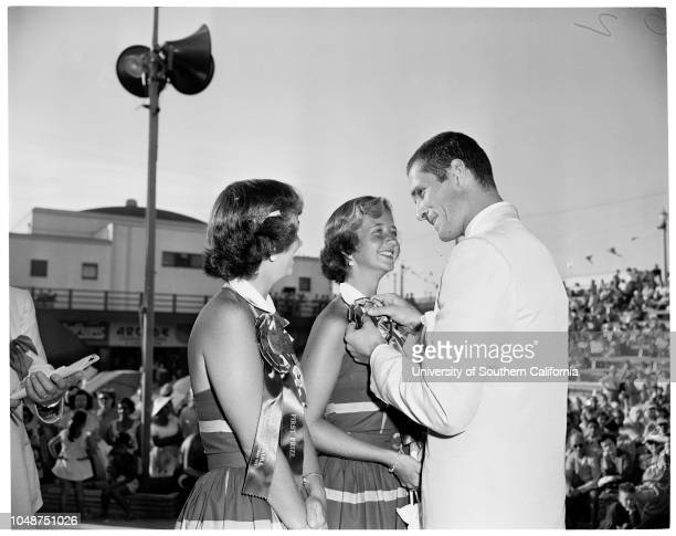 Twin Contest at Huntington Beach, 31 August 1952. Janice Anderson -- 15 years;Joanne Anderson -- 15 years ;Teresa Mathews -- 4 years;Jeanette Mathews...