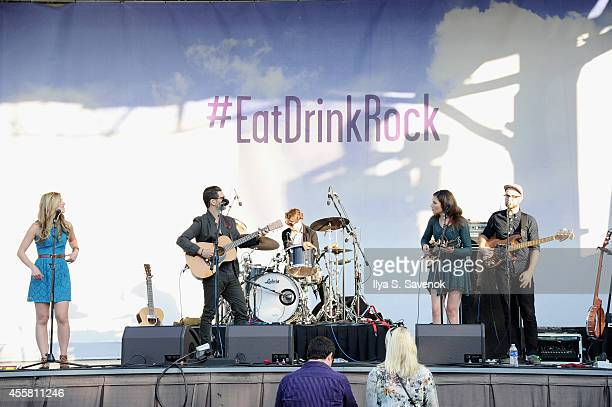 Twin forks performs onstage at Food Network In Concert on September 20 2014 in Chicago United States