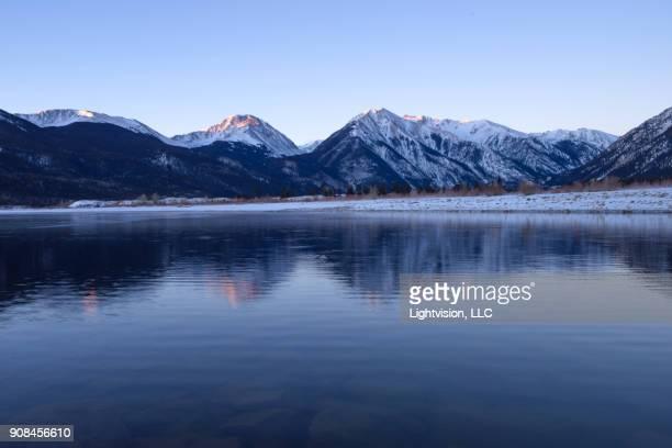 twin lakes near leadville, colorado - colorado - fotografias e filmes do acervo