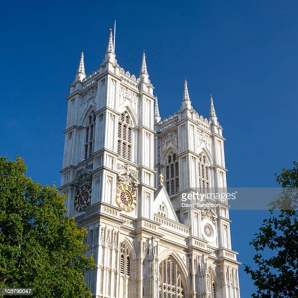 twin towers of westminster abbey. - westminster abbey stock pictures, royalty-free photos & images
