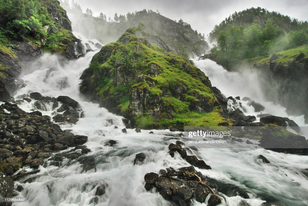 Twin waterfall : Stock Photo