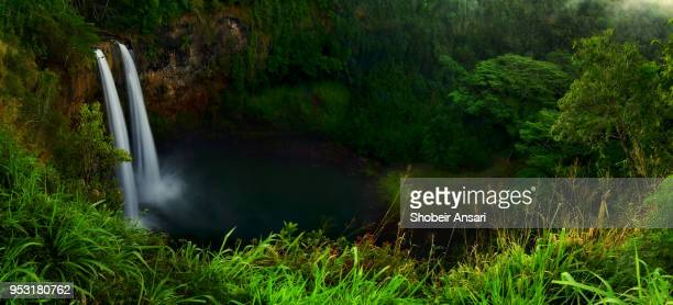 twin waterfalls of wailua falls | kauai hawaii - state park stock pictures, royalty-free photos & images