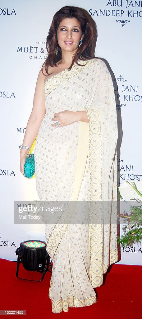 Twinkle Khanna at designers Abu Jani and Sandeep Khosla`s 25th year bash at the Grand Hyatt Mumbai