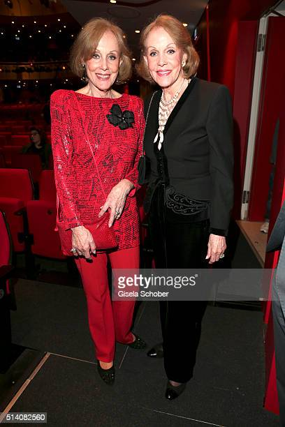 Twins Alice and Ellen Kessler during the premiere of the musical 'Chicago' at Deutsches Theatre on March 6 2016 in Munich Germany