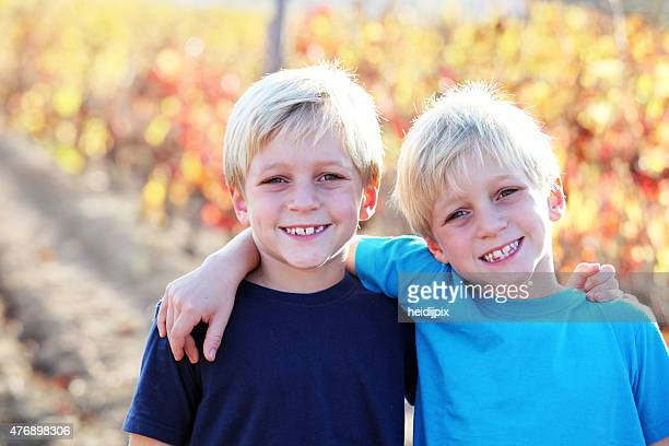 twins - twin stock pictures, royalty-free photos & images