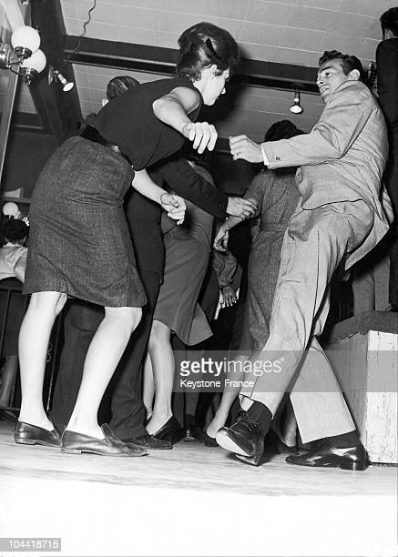 Twist Dancers At The Peppermint Bar In New York On November 24 1961