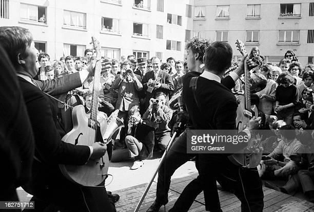 Twist In Calais C'est par la Manche que vient d' arrivé en France le TWIST un genre musical et une danse dérivés du rock'n'roll qui signifie en...