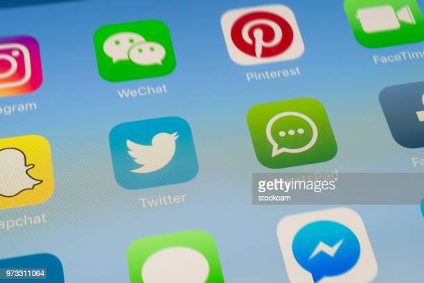 Twitter, Whatsapp et autres médias sociaux Apps sur l'écran de l'iPad