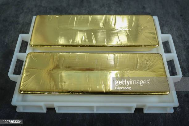 Two 12.5 kilogram gold ingots sit at the Uralelectromed Copper Refinery, operated by Ural Mining and Metallurgical Co. , in Verkhnyaya Pyshma,...
