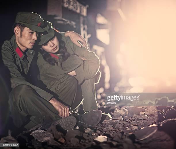Dos abandonado China rebeldes
