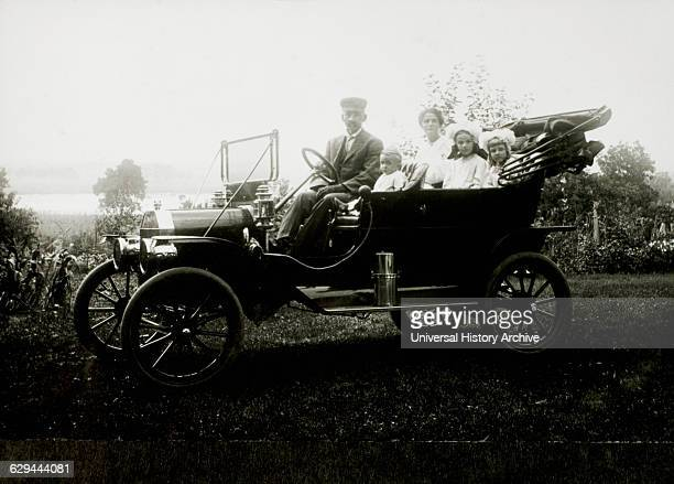 Two Adults and Three Children in Ford Model T Car USA 1913