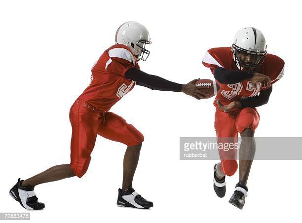 two american football players - halfback american football player stock pictures, royalty-free photos & images