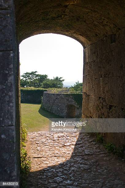 two arches n castle wall - kazuko kimizuka stock-fotos und bilder