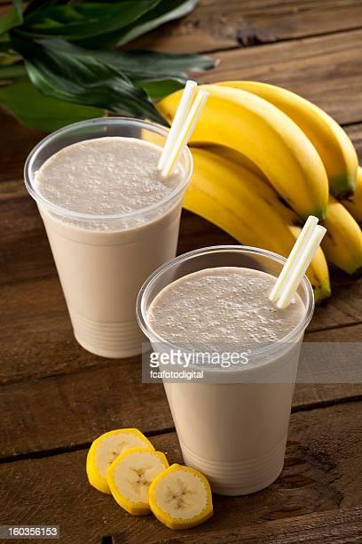 Dos batidos de tipo Banana