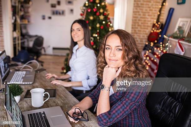two best freinds working from home office, star-up idea, modern - christmas horse stock pictures, royalty-free photos & images