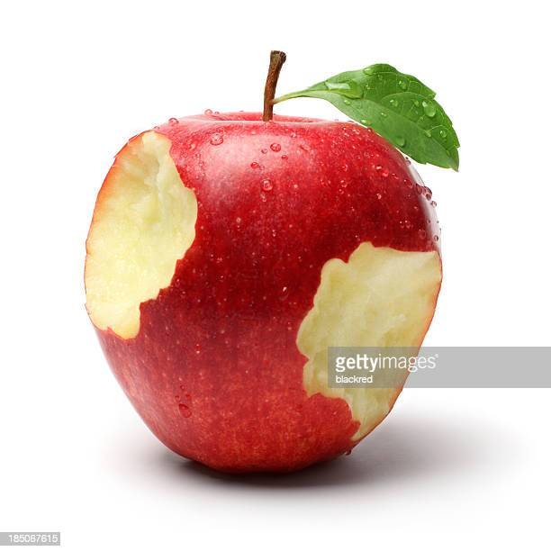 Deux en-cas, sur une pomme rouge