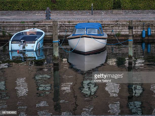 two boat in the water - dorte fjalland stock pictures, royalty-free photos & images