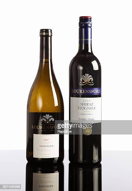 Deux bouteilles de vin sud-africain, Viognier, Shiraz, mélangé