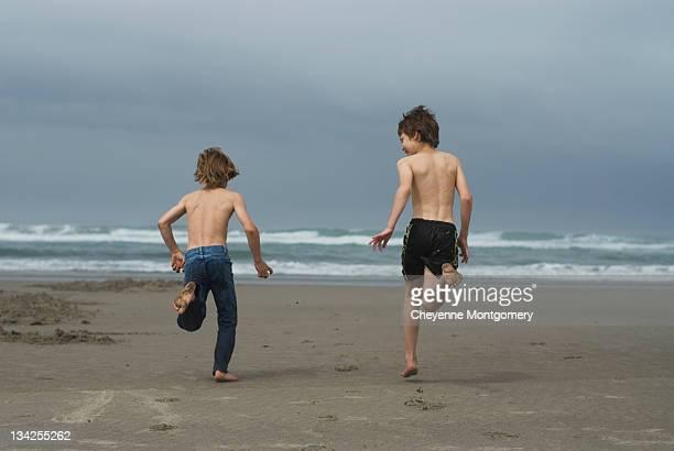 Two boy run
