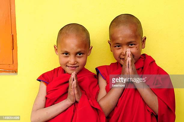 two boys of jonangpa school in kathmandu, nepal - tibetaanse cultuur stockfoto's en -beelden