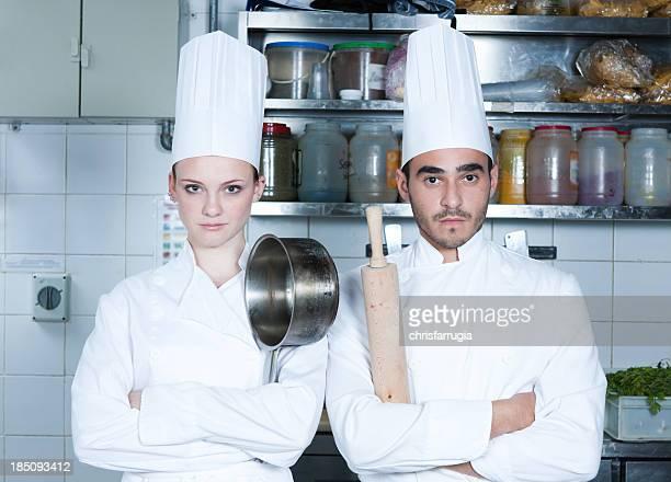 Dois Cozinheiro na cozinha