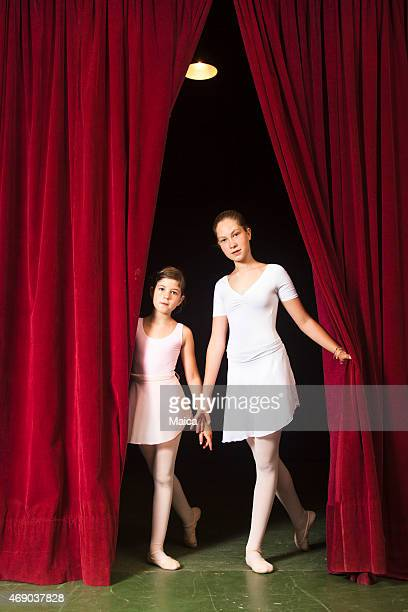Two children ballerinas