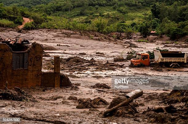 Two dams of an iron mine belonging to Samarco broke in the city of Mariana on nov 5th, in the brazilian state of Minas Gerais, spreading tons of...