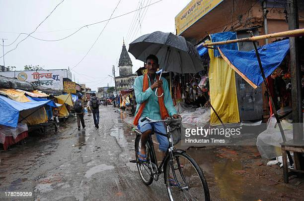 Two days after the failed Parikarma attempt by Vishwa Hindu Parishad , streets in Ayodhya wears a deserted look with a majority of economical...
