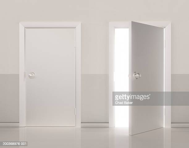 two doors side by side, one door open (digital) - deur stockfoto's en -beelden