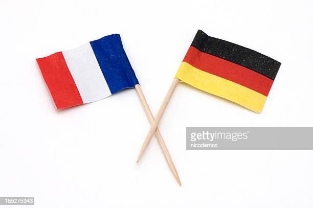deux européens drapeau de l'allemagne et la france. - allemagne photos et images de collection