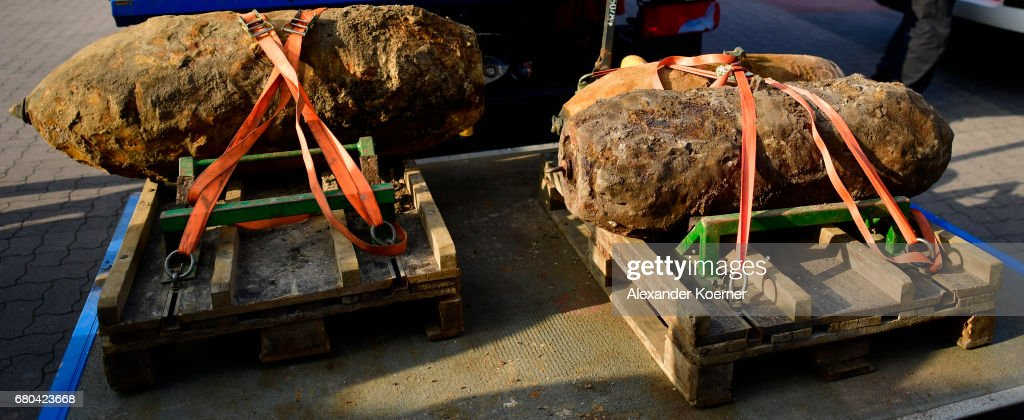 Two five centner and one ten centner bomb are showcased on to a truck after dismantling the bombs on May 7, 2017 in Hanover, Germany. Bomb disposal experts have checked five locations in the city today where unexploded bombs from World War II might possibly lie underground, two five centner and one ten centner bomb were found and dismantled. Today's evacuation is among the largest ever in post-World War II Germany. Unexploded World War II bombs, mostly from Allied aerial bombing, remain a deadly legacy and smaller scale evacuations are a regular occurrence in major urban centers across Germany throughout the year. (Photo by Alexander Koerner/Getty Images).