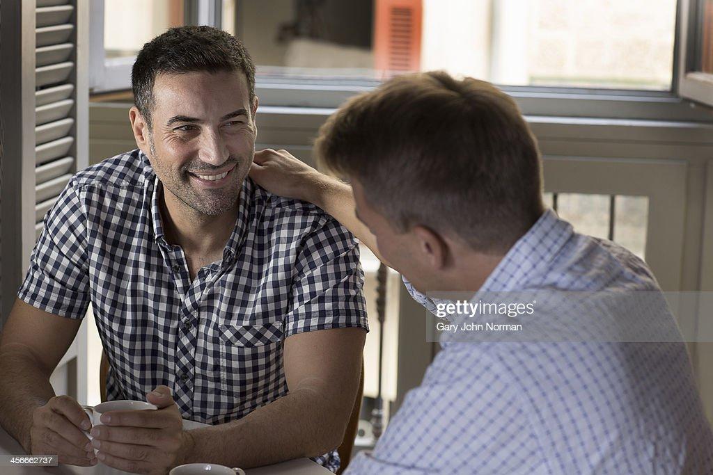 Rencontre gay : apprendre à se connaître
