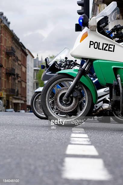 Zwei deutsche Polizei Motorräder, Seitenansicht