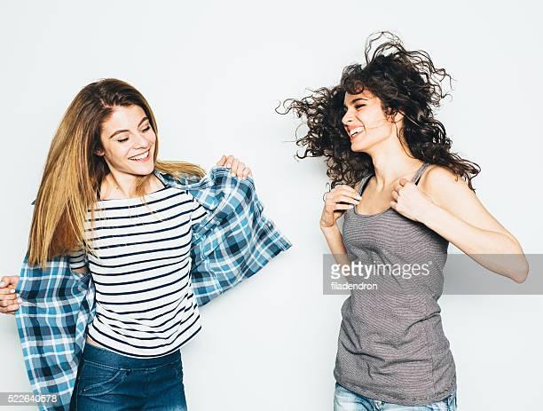 Deux filles s'amuser