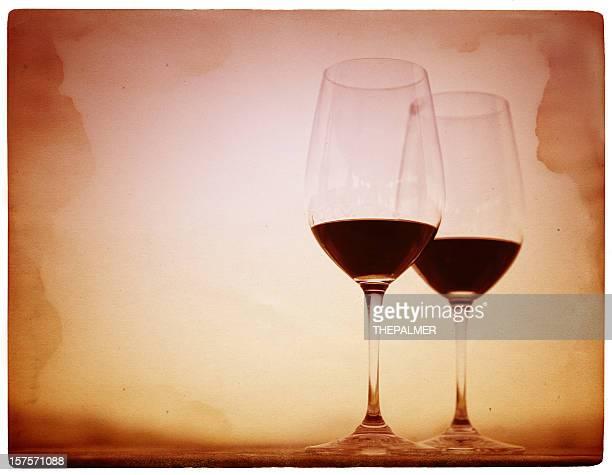 2 つのグラスワイン - cabernet sauvignon grape ストックフォトと画像