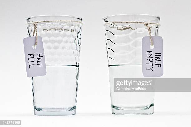 two glasses of water - catherine macbride photos et images de collection
