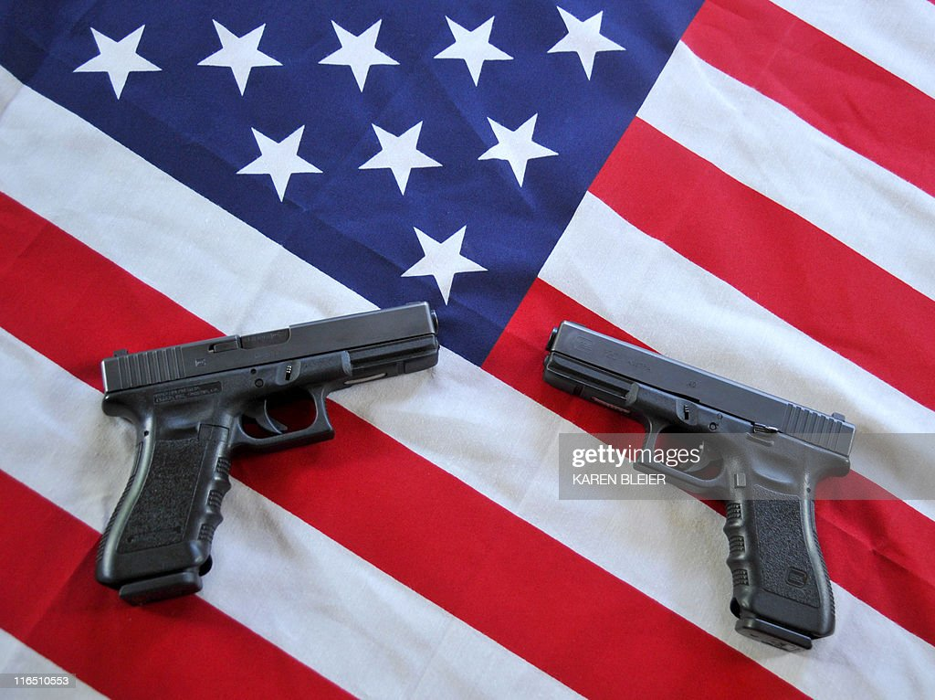 Two Glock .40 caliber semiautomatic hand : News Photo