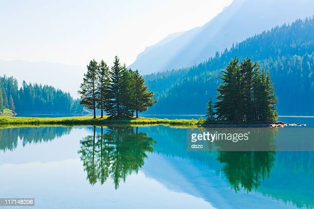 Lago Two Jack, mattina luce, riflessioni, Parco Nazionale di Banff, Canada