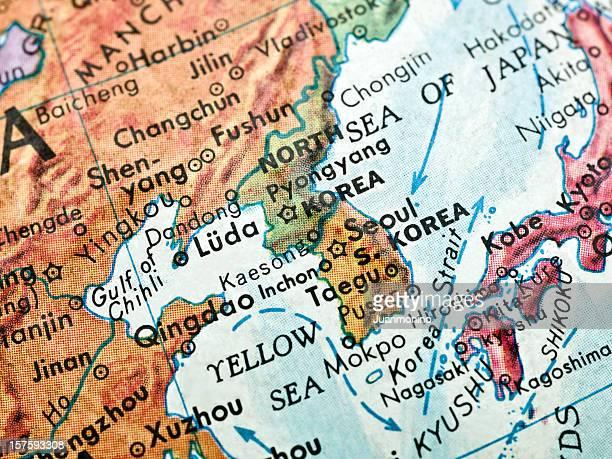 two koreas map - zuid korea stockfoto's en -beelden
