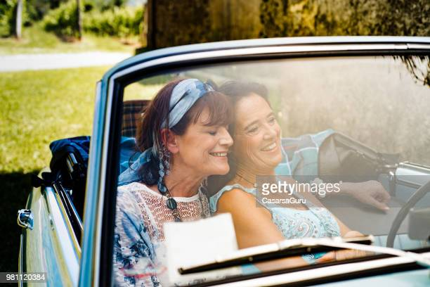 two lesbian couple on road trip - vintage lesbian photos stock pictures, royalty-free photos & images
