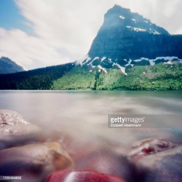 two medicine scenic, montana - lago two medicine montana - fotografias e filmes do acervo