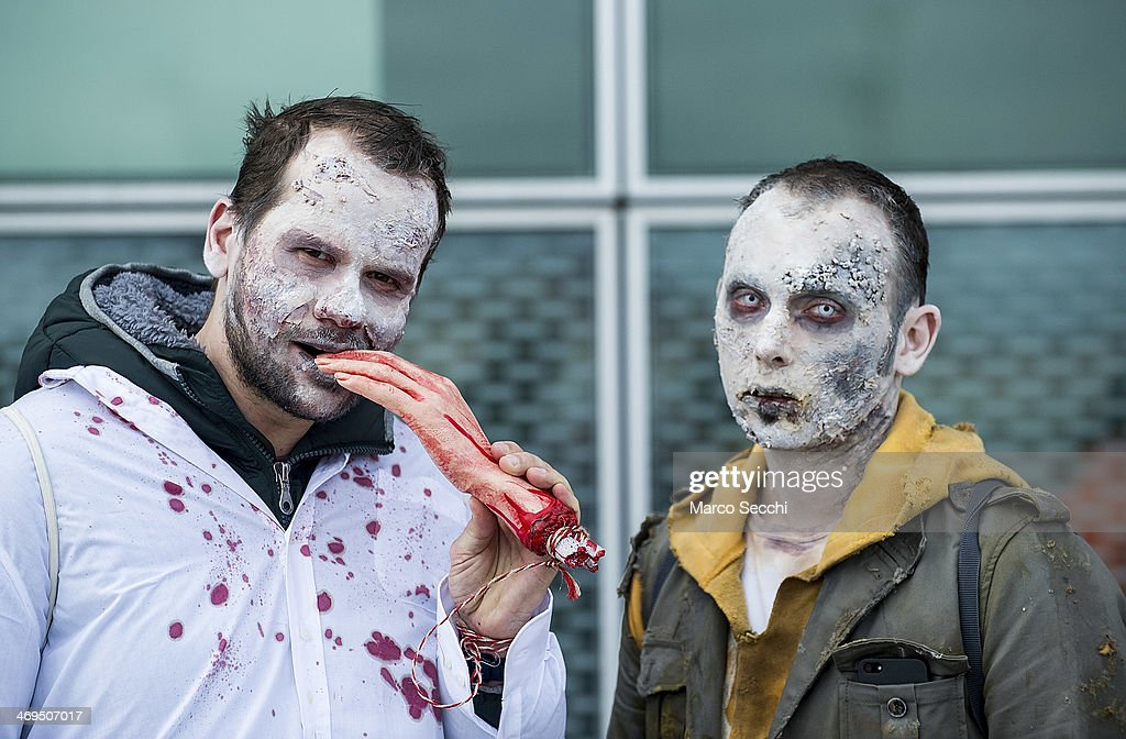 Zombies Walk In Venice : News Photo