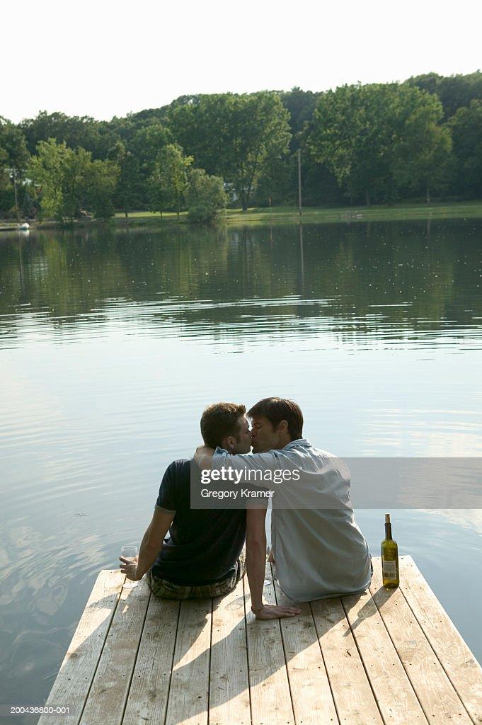 Gay online dating in kennett missouri