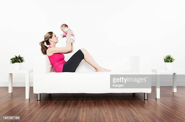 dois meses bebê e mãe - happy new month - fotografias e filmes do acervo