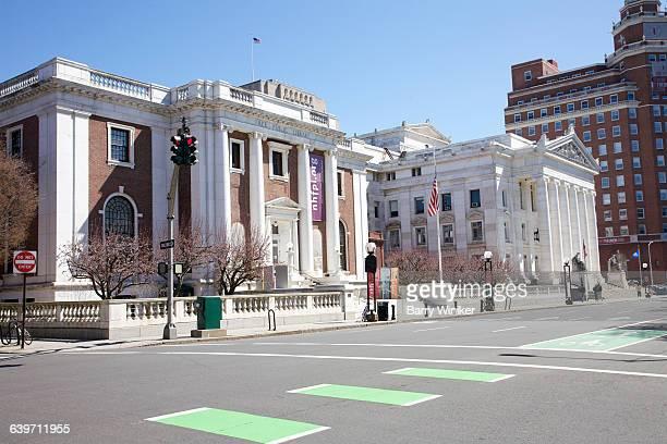 two monumental buildings, new haven - ニューヘイブン ストックフォトと画像