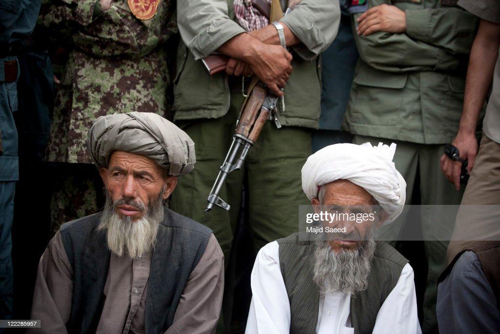 Taliban Militants Surrender In Badakhshan : News Photo