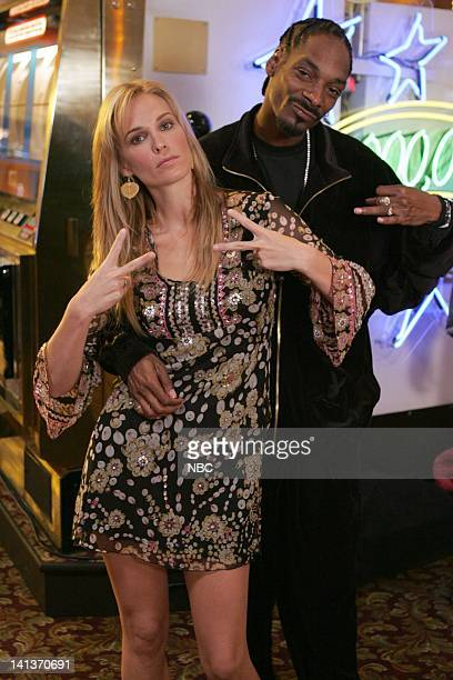 LAS VEGAS Two of a Kind Episode 8 Pictured Molly Sims as Delinda Deline Snoop Dogg as himself Photo By Chris Haston/NBC/NBCU Photo Bank