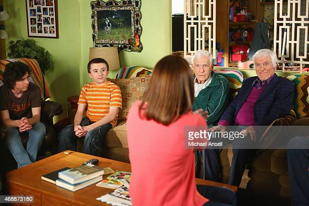 THE MIDDLE 'Two of a Kind' Frankie and Mike find themselves caught in the middle of a long standing family feud when Frankie's Uncle Dutch contacts...