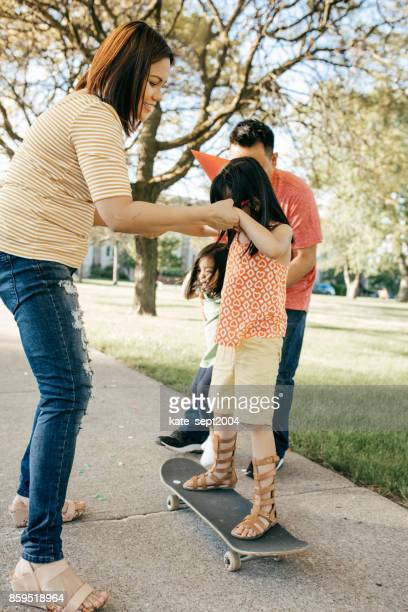 Dos padres y dos hijas
